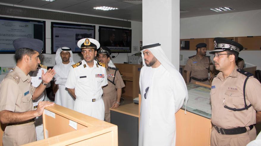 """وفد """"البحث والإنقاذ"""" الإماراتي يتعرف على مركز الأمن البحري"""