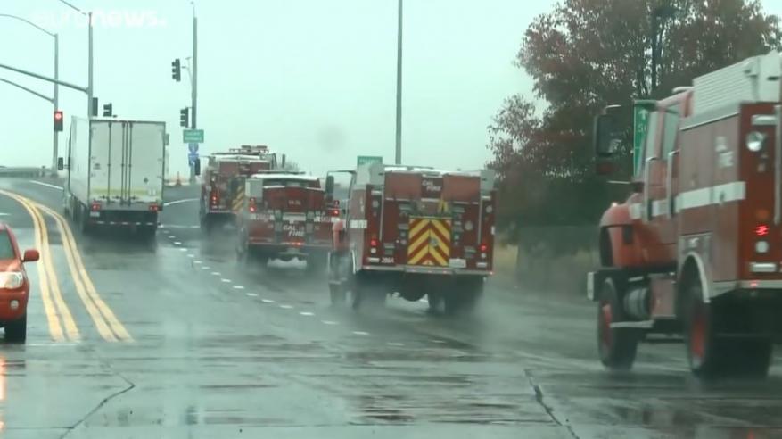 شاهد بالفيديو .. البحث عن 475 مفقود تحت ركام حرائق كاليفورنيا