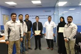 """وفد أكاديمي من """"هندسة"""" جامعة مسقط يزور شركة عالمية لتطوير التقنيات الدقيقة"""