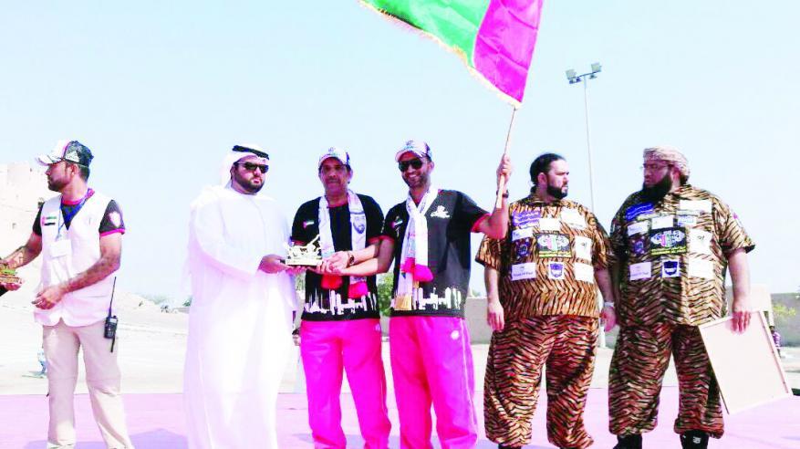 30 مغامرا عمانيا يشاركون الإمارات أفراح اليوم الوطني الـ46 في الفجيرة