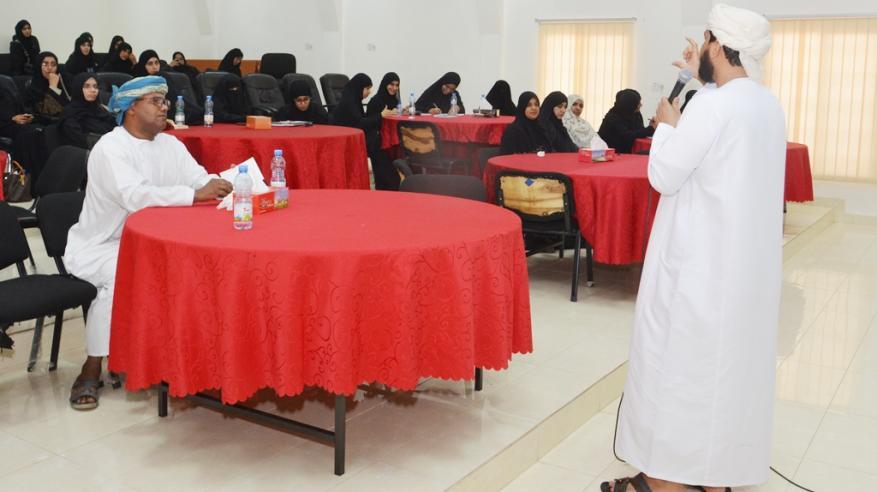"""""""التنمية"""" تناقش قضايا تنمر الطلاب في المدارس بإبراء"""