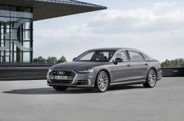 """"""" Audi A8"""" تحصد لقب """"سيارة العالم الفاخرة 2018"""""""