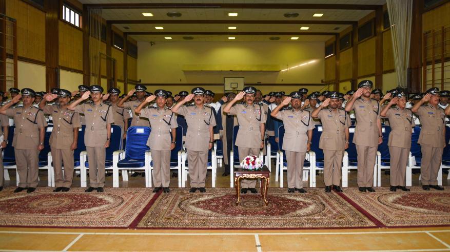 حفل تسليم الشهادات الدراسية للضباط الخريجين