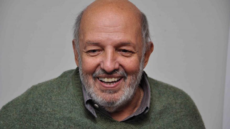 الموت يُغيب المخرج المصري محمد خان بعد مسيرة حافلة بالسينما