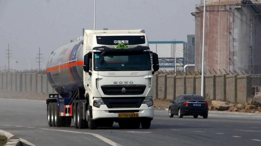 ازدهار الشاحنات العاملة بالغاز في الصين وسط جهود لمكافحة التلوث
