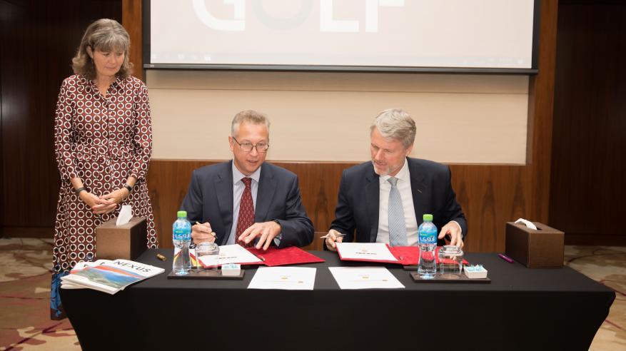 H.E. Laetitia van Asch, Ambassador of Netherlands, Mark Geilenkirchen, CEO of SOHAR Port and Freezone and Chris Breeze, Shell Oman Country Chairman (2)