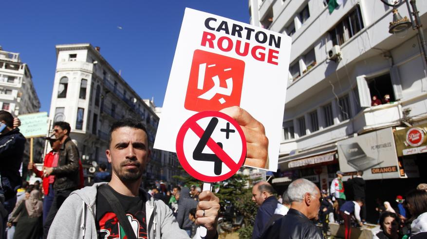 """الجزائر: اعتقال 75 متظاهرا في """"أكبر الاحتجاجات"""" ضد بوتفليقة """"بحثا عن مستقبل أفضل"""""""