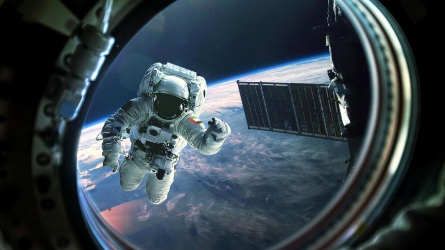 أول رائد فضاء إماراتي يستعد لأول رحلة فضائية