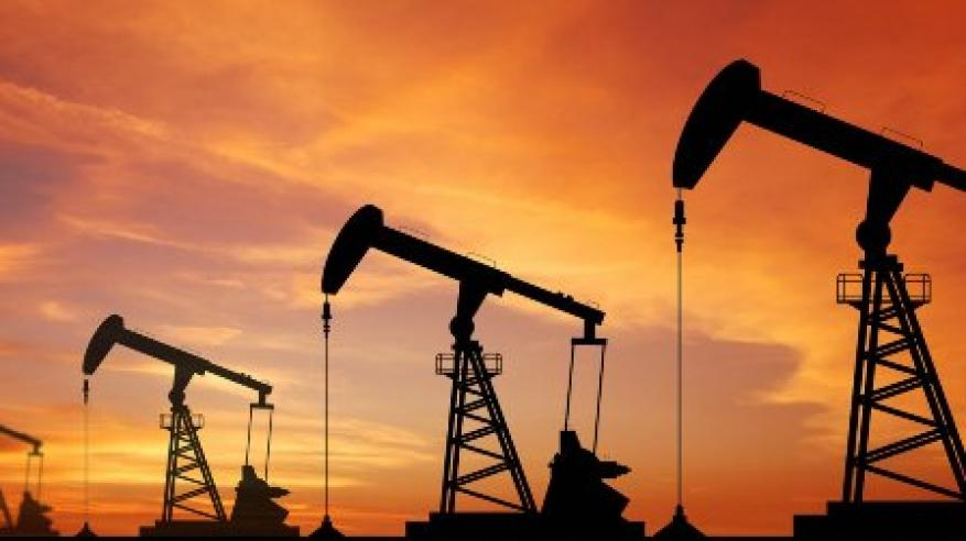 ارتفاع أسعار النفط بعد تراجع إمدادات فنزويلا