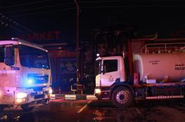 إصابة شخصين إثر حريق بأحد المجمعات التجارية في صحار
