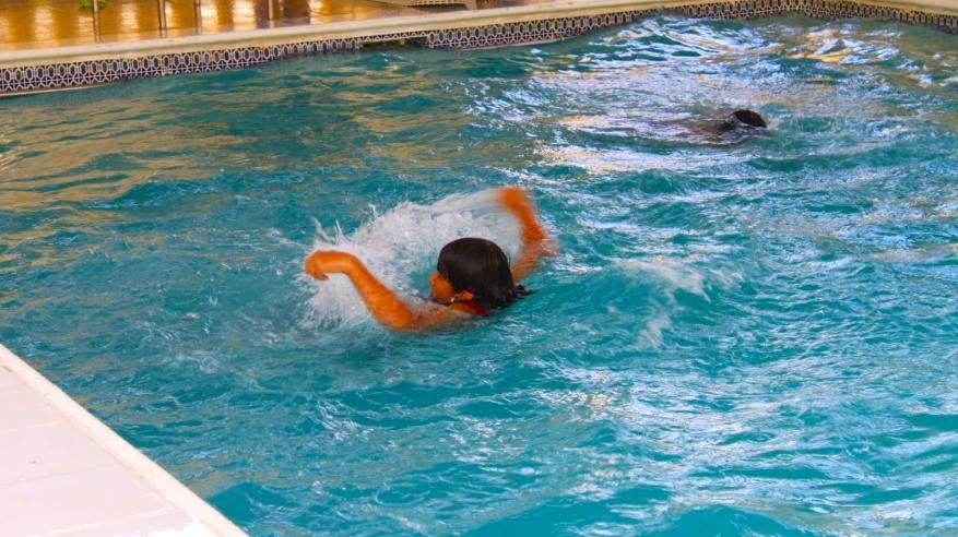 الدفاع المدني يحذر من غياب الرقابة على أحواض السباحة المنزلية