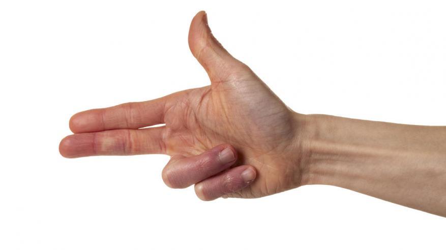 """في أمريكا.. استخدام الأصابع """"كبندقية"""" جريمة!"""