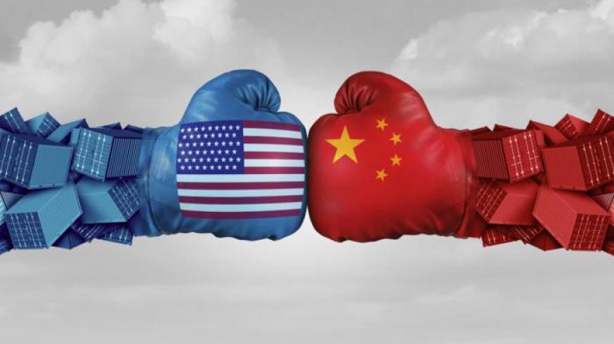 """""""سي إن إن"""": الحرب التجارية لم تصل لذروتها.. وأمريكا والصين ستدفعان """"ثمنا باهظا"""""""