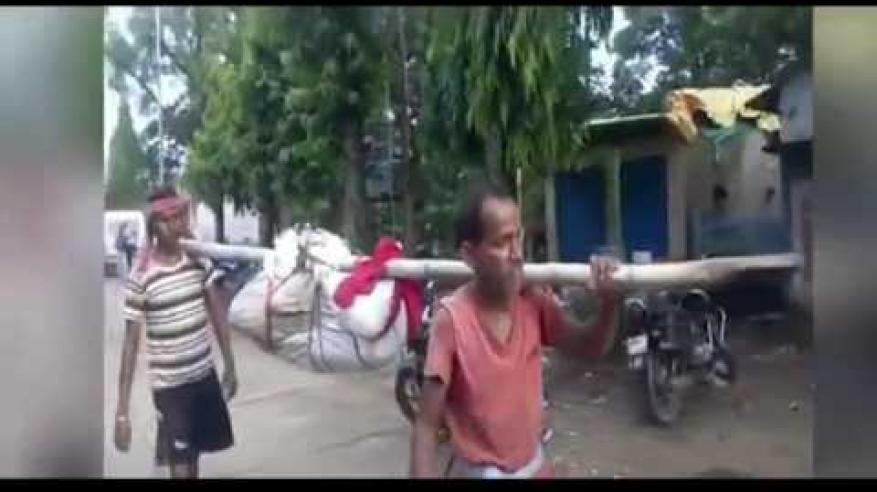 بالفيديو.. تكفين هندية بطريقة غير إنسانية