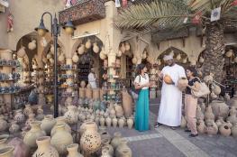الأسواق الشعبية العمانية .. محور جذب سياحي لعشاق الطرز المعمارية الأصيلة