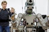 أول إنسان آلي روسي يفشل في السفر للفضاء