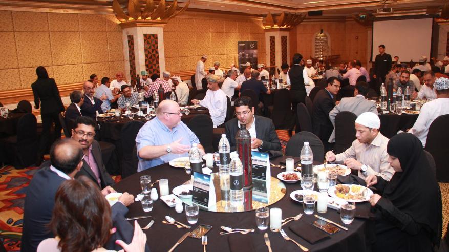 """حفل إفطار لعملاء """"مرسيدس ـ بنز"""" في مسقط وصحار وصلالة"""