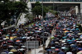 """دفاعا عن """"بلد واحد ونظامين"""".. تصاعد احتجاجات """"هونج كونج"""" رغم العواصف الرعدية"""