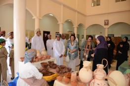مجلس الحرف العالمي يطلع على أبرز المشاريع والمصانع الحرفية في بهلاء