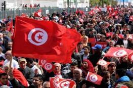 بالفيديو والصور .. شلل في النقل الجوي والبحري في تونس مع بدء الإضراب