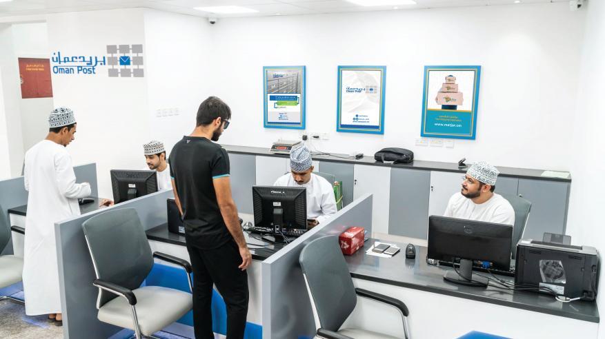 """مكتب جديد لـ""""بريد عمان"""" في المعبيلة بتقنيات حديثة و650 صندوقا بريديا"""