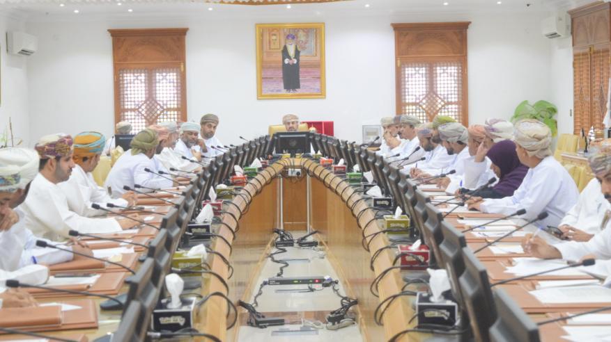 بلدي شمال الباطنة يوصي بتخصيص أراض تجارية لخدمة المجالس العامة