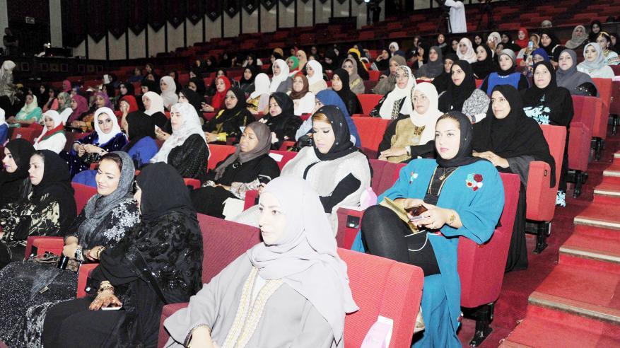 نساء الظاهرة: المرأة العمانية تسهم بدور ريادي في نهضة المجتمع بفضل الدعم السامي