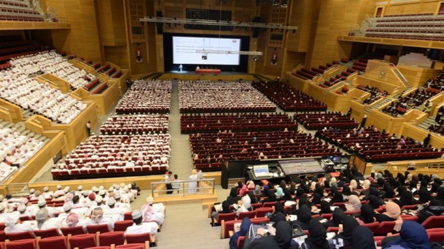 """جامعة السلطان قابوس تستقبل 2945 طالبًا وطالبة من الدفعة الـ31.. وإطلاق مشروع """"تفاعل"""" نوفمبر المقبل"""