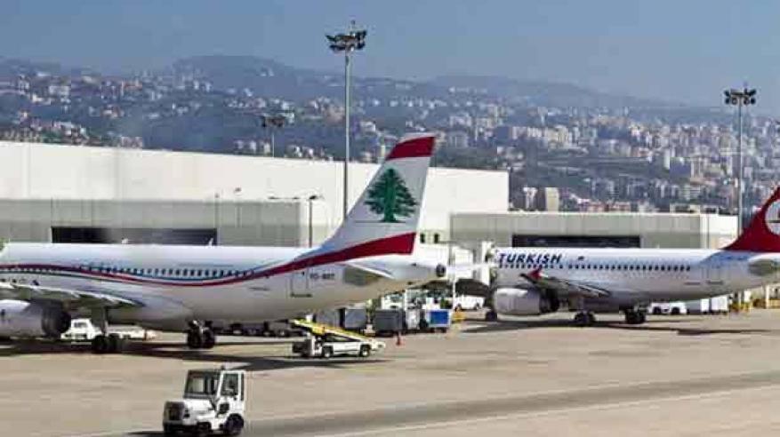 الرئيس اللبناني يعلق في مطار رفيق الحريري