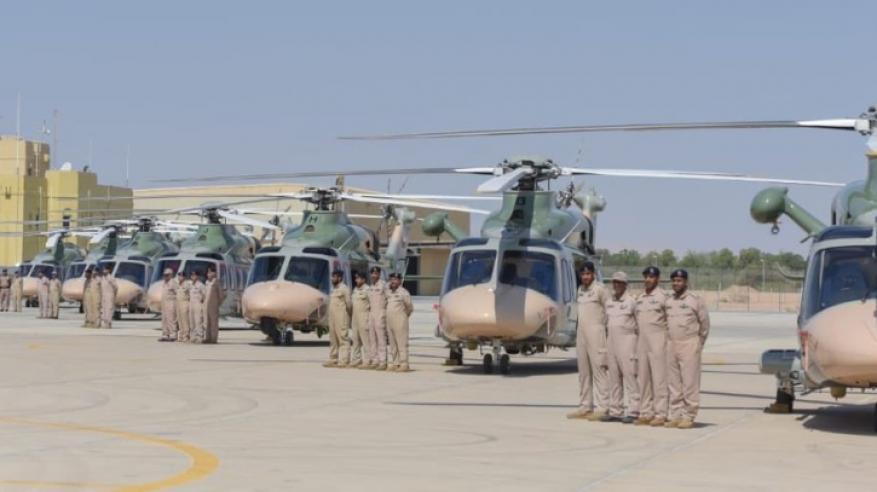 مجموعة من الطائرات العمودية التابعة لطيران الشرطة
