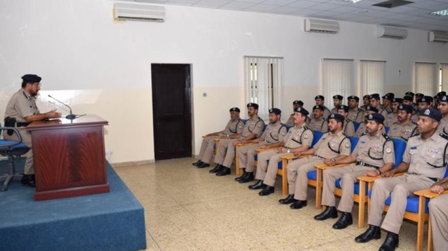 دورة لتنمية المهارات العملياتية والإدارية للضباط بأكاديمية الشرطة