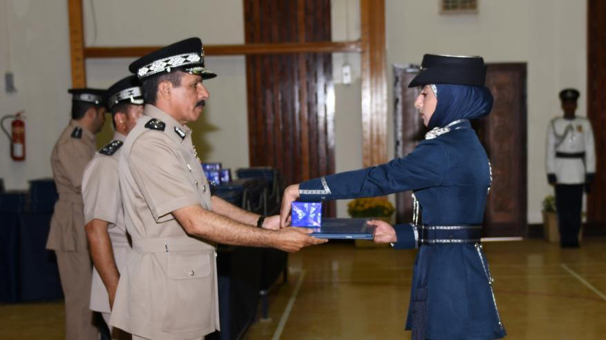 حفل تسليم الشهادات الدراسية للضباط الخريجين 4