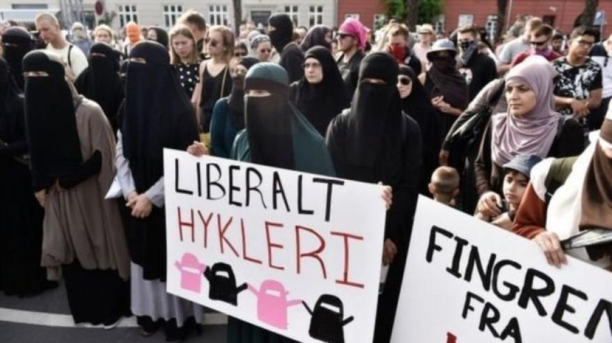 أول غرامة لسيدة في الدنمارك بسبب النقاب