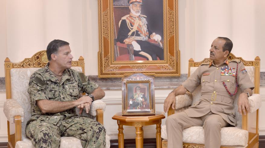 رئيس أركان قوات السلطان المسلحة يستقبل أكويلينو