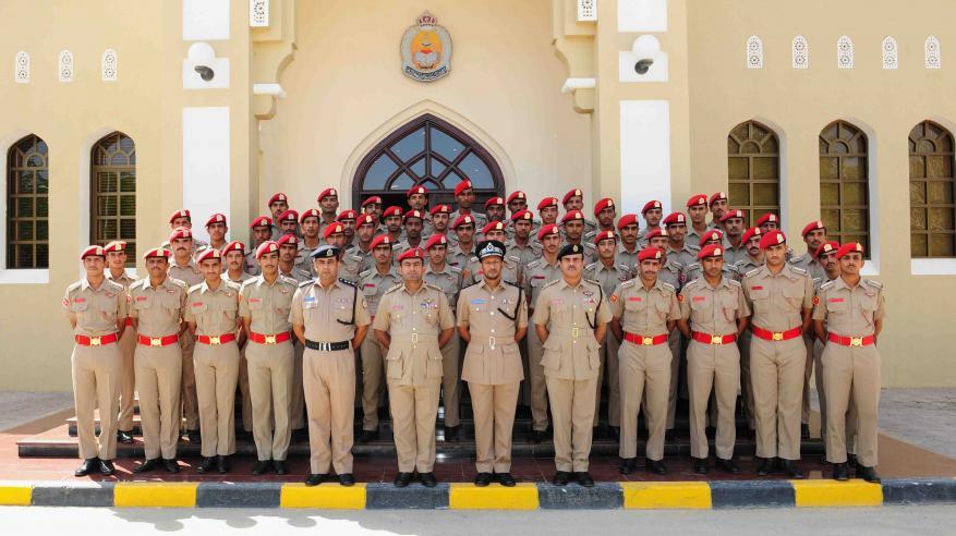 أكاديمية الشرطة تستقبل وفدا من الجيش السلطاني العماني