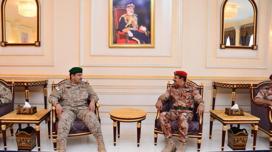 قائد القيادة العسكرية الموحدة لدول الخليج يصل السلطنة