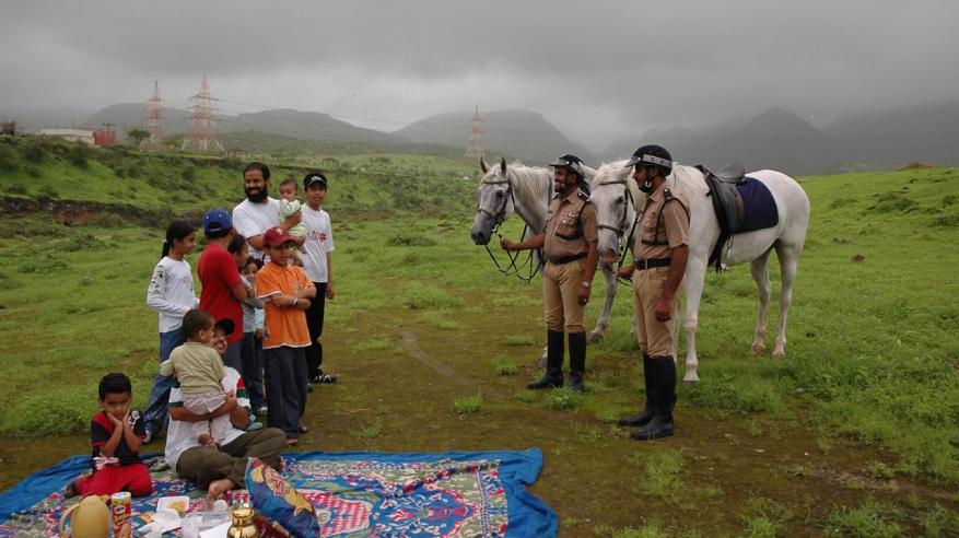 جهود خيالة الشرطة في مهرجان خريف صلالة السياحي لهذا العام4