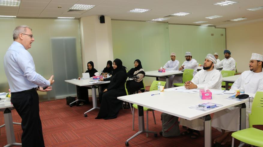 """""""ريادة"""" و""""تنمية نفط عمان"""" تنظمان دورة تدريبية حول المحاسبة لغير الماليين"""
