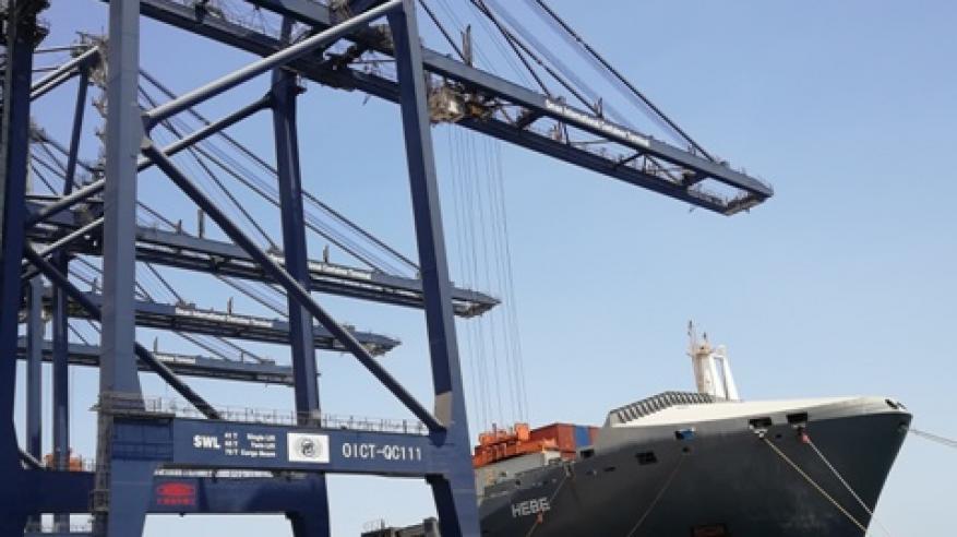 رقم قياسي لميناء صلالة في يناير