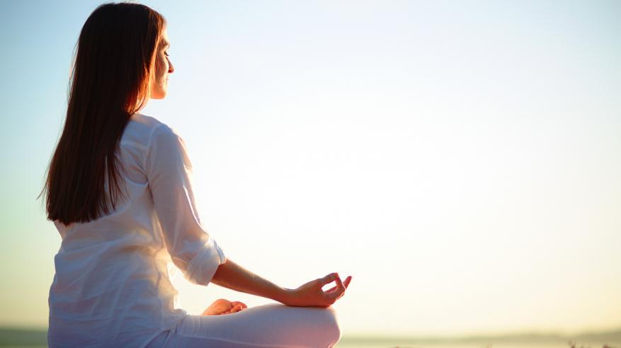 ممارسة اليوجا تخفف آلام أسفل الظهر