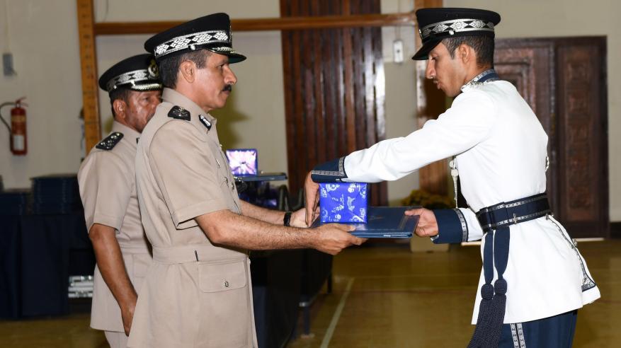 حفل تسليم الشهادات الدراسية للضباط الخريجين 9