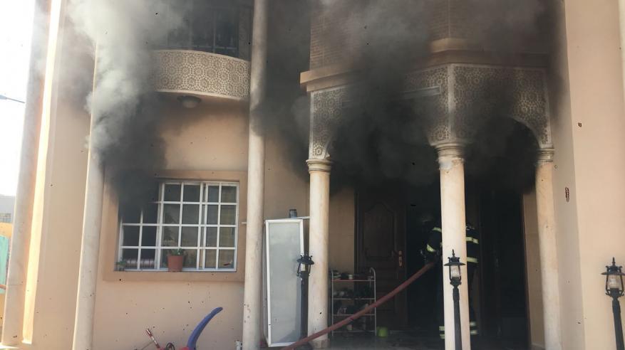 السيطرة على حريق بمنزل في العامرات