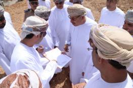 """رئيس """"بلدي مسقط"""" يطلع على احتياجات المواطنين من الخدمات في بوشر"""
