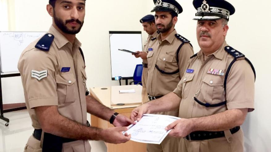 ختام دورة مسؤولي الدوامات بقيادة شرطة محافظة شمال الباطنة