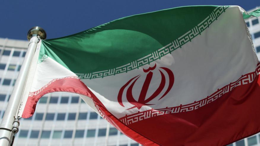 إيران تهدد بالتخلي عن الاتفاق النووي