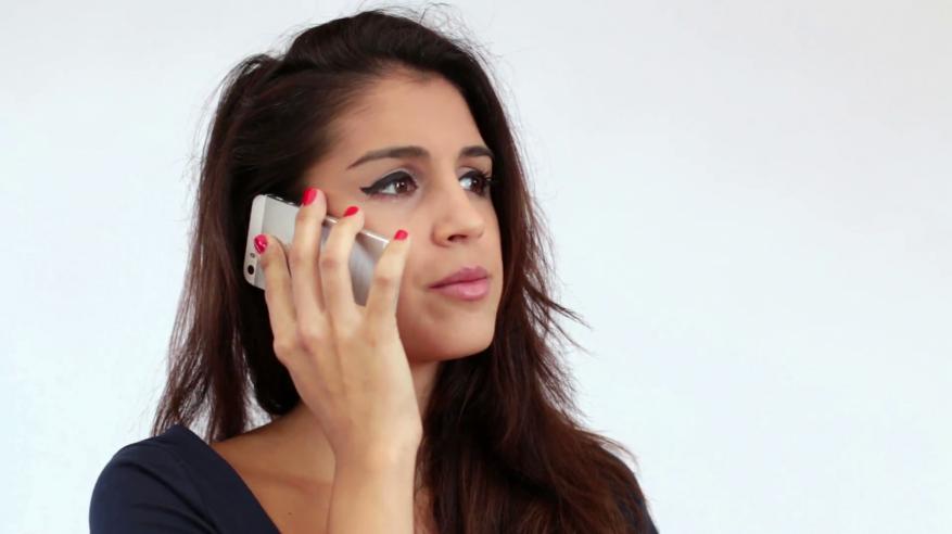 خليجية تطلب الطلاق بسبب بطاقة شحن الهاتف