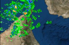 طقس السلطنة.. نشاط الرياح وتطاير الغبار وارتفاع الموج وأمطار متفرقة