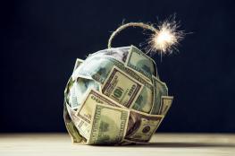 """""""CNN"""": العالم يغرق في الديون"""