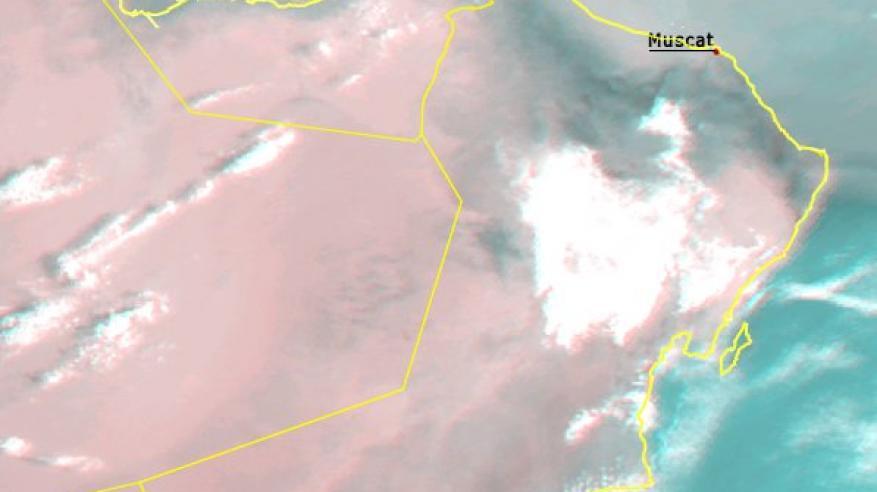 انتشار السحب المنخفضة والضباب على بعض المحافظات ..واستمرار فرص هطول الأمطار