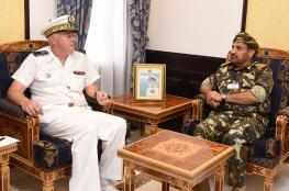 قائد البحرية السلطانية العمانية يستقبل قائد القوات الفرنسية بالمحيط الهندي